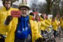 Activists with bicyle rickshaws show Vattenfall