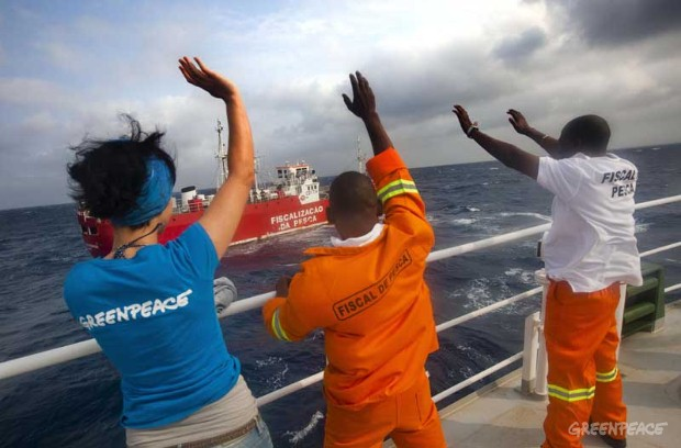 Rainbow Warrior Crew in Indian Ocean