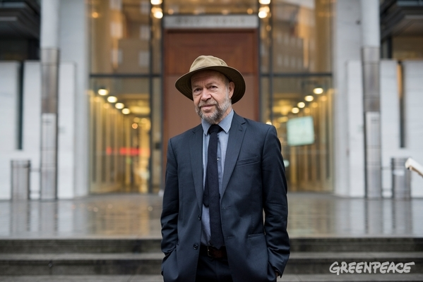 James Hansen from the US, Climate Scientist and professor, outside the Norwegian courthouse in Oslo while an unprecedented legal case is filed against the Norwegian government for allowing oil companies to drill for new oil in the Arctic Barents Sea. The plaintiffs, Nature and Youth and Greenpeace Nordic, argue that Norway thereby violates the Paris Agreement and the people's constitutional right to a healthy and safe environment for future generations. The lawsuit has the support of a wide group of scientists, indigenous leaders, activists and public figures.  © Christian Åslund / Greenpeace