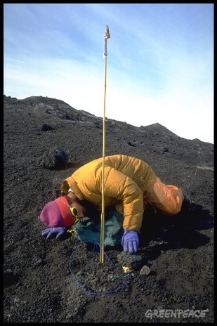 Ricardo Roura checking Glacial Temperature