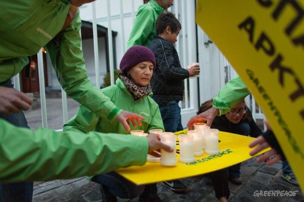 Candlelit vigil for Arctic 30 at Russian Embassy Denmark