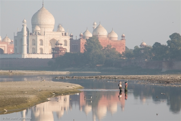 Polluted scenes of the Taj