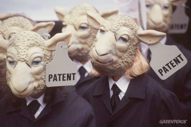 Dolly sheep protest against patents on life at office for European patents.
